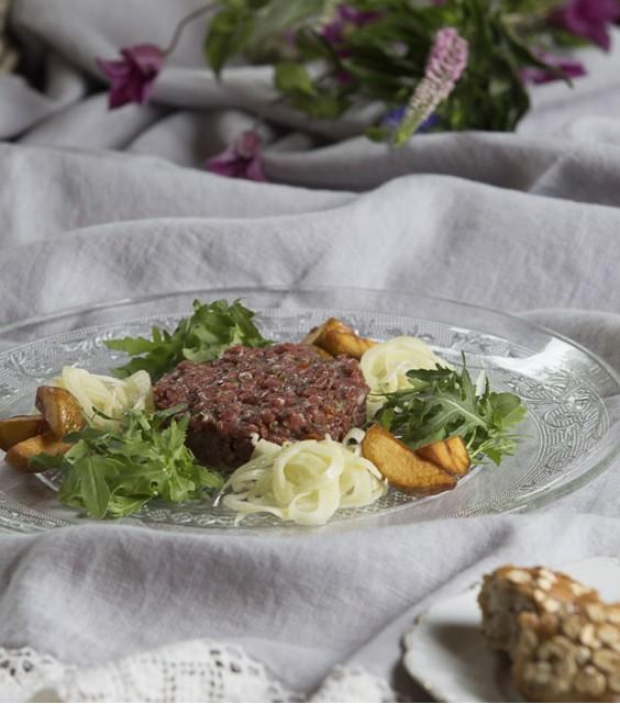 Dry - aged beef fillet tartar